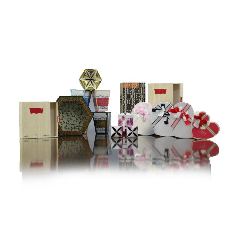 Custom Gift Paper Boxes and Bags