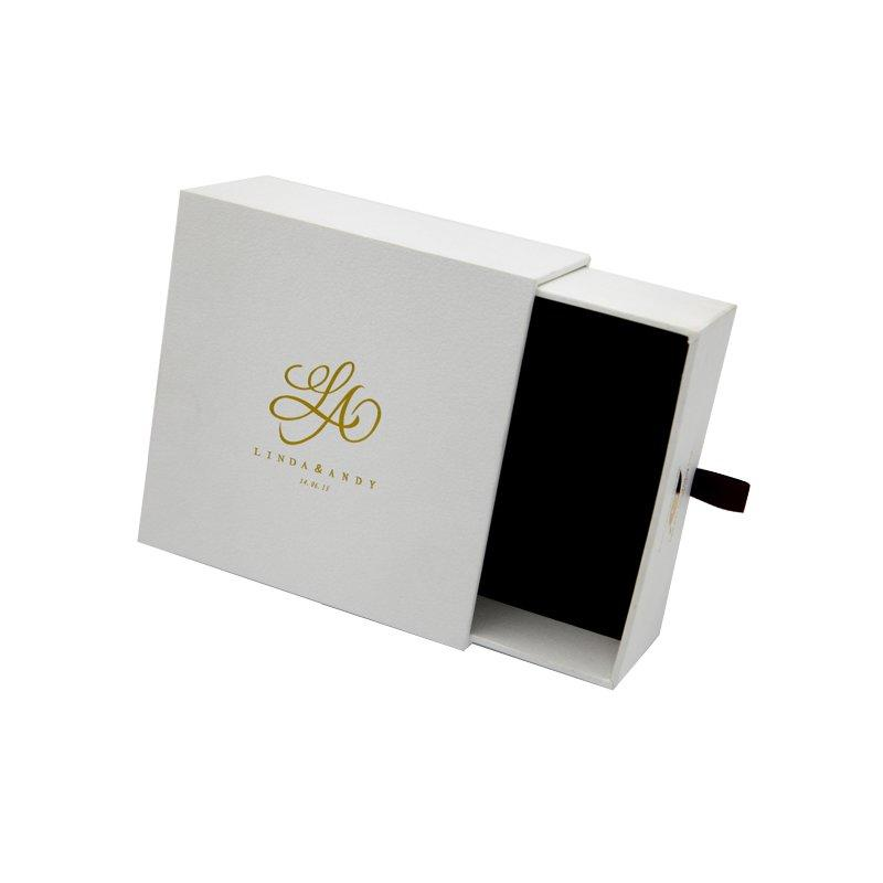 Boxes for Jewellery Packaging with Gold Stamping and Velvet Lint