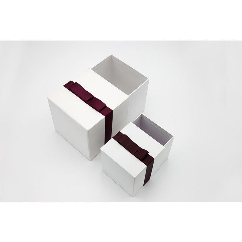 Small White Paper Packaging Box For Birthday Gift